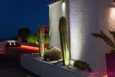 Eclairage terrasse: Jardin de style de style Moderne par Architecture Nature & Lumière