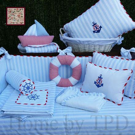 TPD Kids: Dormitorios infantiles de estilo clásico de Home by TPD 'El Arte de Recibir en Casa'