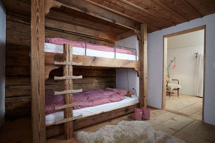 Objekt 322: rustikale Kinderzimmer von Meier Architekten GmbH