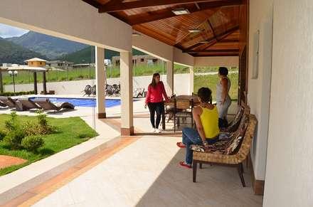 泳池 by Solange Figueiredo - ALLS Arquitetura e engenharia
