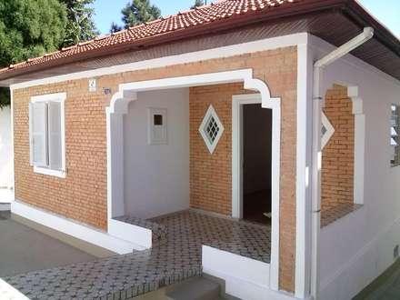 منازل تنفيذ Carmen Anjos Arquitetura Ltda.