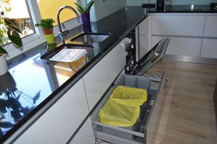 Cozinhas por medida 2: Cozinhas modernas por Ansidecor