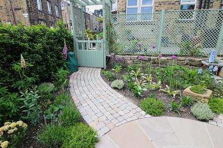 庭院 by Yorkshire Gardens