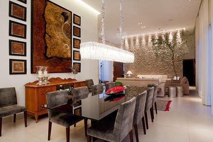 Residência PC - sala de jantar: Salas de jantar modernas por Maria Helena Caetano _ Arquitetura e Interiores
