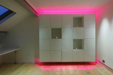 Kensington luxury modern warehouse: industrial Study/office by Quirke McNamara