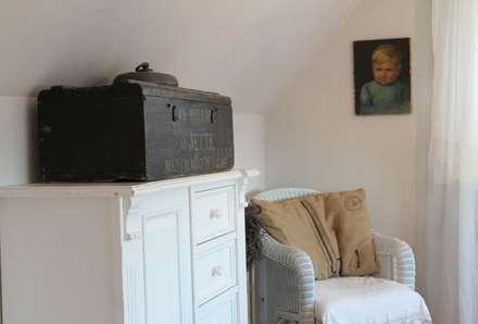 schlafzimmer einrichtung inspiration homify. Black Bedroom Furniture Sets. Home Design Ideas