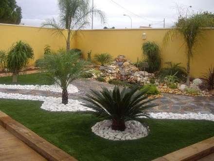 Muestras de trabajo: Jardines de estilo moderno por Jardines Paisajismo Y Decoraciones Elyflor