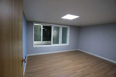 반지대동 그린파크 : 디자인세븐의  침실