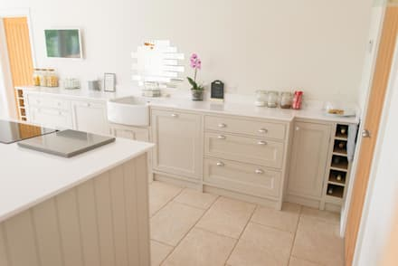 The Old Mill Kitchen: scandinavian Kitchen by NAKED Kitchens