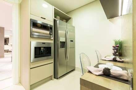 : Cozinhas modernas por Arquiteta Karlla Menezes - Arquitetura & Interiores