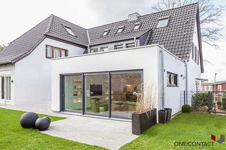 LEBENSRAUM ERWEITERT II: moderne Häuser von ONE!CONTACT - Planungsbüro