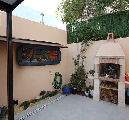 Reforma de vivienda con etiqueta de eficiencia energética A (Gran Alacant, Santa Pola): Jardines de estilo escandinavo de Novodeco