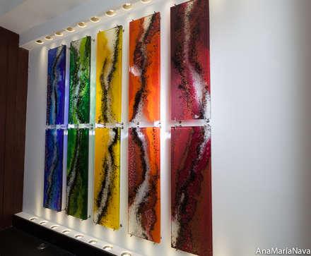 CAUCES PARALELOS . Escultura en Lobby del Club Nautico de Maracaibo: Bares y Clubs de estilo  por Ana Maria Nava Glass