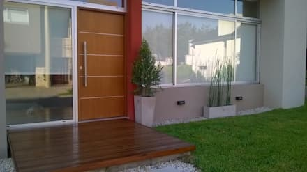 Soleloir: Casas de estilo moderno por Arq Andrea Mei   - C O M E I -