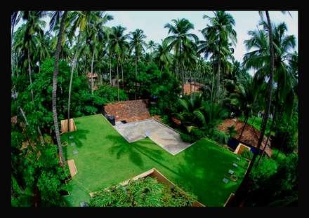 Bird's eye view of the terrace:  Terrace by GDKdesigns