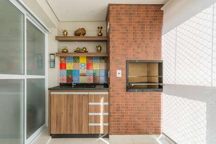 Varanda Gourmet: Terraços  por Sandra Pompermayer Arquitetura e Interiores