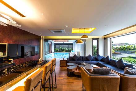 Interiors: modern Pool by Purnesh Dev Nikhanj Photography