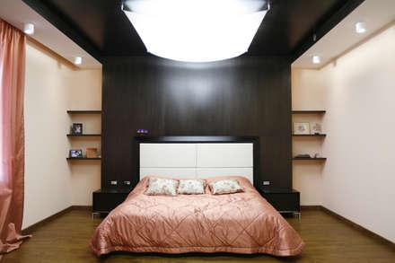 Chalet interior. Krasnoobsk, Siberia, Russland: landhausstil Schlafzimmer von nadine buslaeva interior design