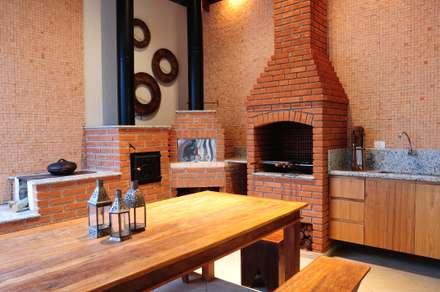 FLAVIA PORTELA - Arquitetura de Interiores : Terraços  por studio VIVADESIGN POR FLAVIA PORTELA ARQUITETURA + INTERIORES