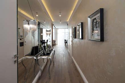 Hall.: styl , w kategorii Korytarz, przedpokój i schody zaprojektowany przez CAROLINE'S DESIGN