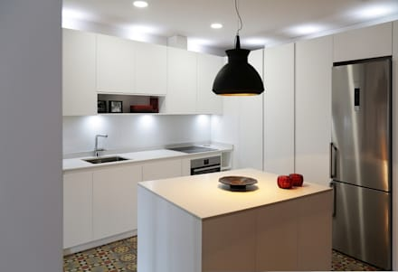 DIseño de Cocina con Isla en Madrid: Cocinas de estilo moderno de Línea 3 Cocinas Madrid