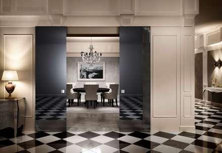 Ambienti Luxury: Finestre in stile  di Romagnoli Porte