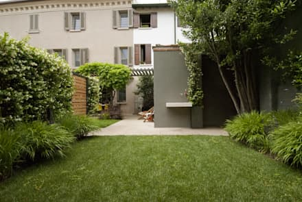 Giardini Segreti a Mantova: Giardino in stile in stile Moderno di SDC-Milano