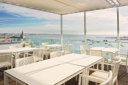 Esplanada Blue Bar: Hotéis  por Pedro Brás - Fotografia de Interiores e Arquitectura   Hotelaria   Imobiliárias   Comercial