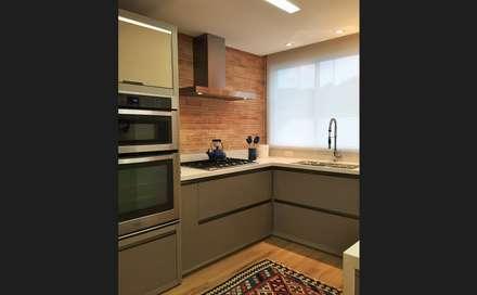 Apto JP Praia Brava: Cozinhas modernas por Luisa Grillo Arquitetura
