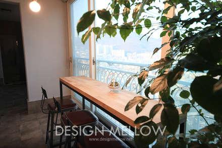 로망이 담긴 34평 아파트 인테리어: 디자인 멜로 (design mellow)의  베란다