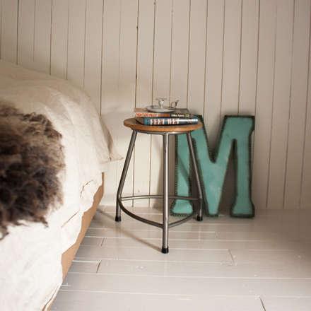 Totaal interieurontwerp stadsboerderij uit eind 1800: scandinavische Slaapkamer door Makien Verkroost interior design + styling