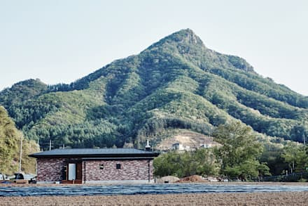 Original House : the 1st penguin의  주택