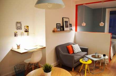 Studio de 23m2 entièrement repensé et décoré: Salon de style de style Scandinave par Sandrine Carré