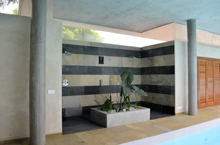 Shower Area: modern Pool by C&M Architects