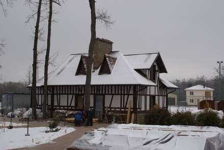Гостевой дом и гараж отделанный фахверком.: Гаражи в . Автор – Ал