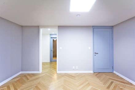 ROOM 2: 제이앤예림design의  침실