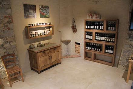 Allestimento Showroom di Cascina Rosa: Negozi & Locali commerciali in stile  di Etico Design