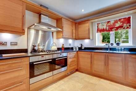 Cocina 6: Cocinas de estilo moderno por COCINAS FEDGO