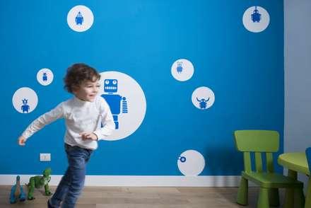 Trastevere House: Stanza dei bambini in stile in stile Minimalista di Arabella Rocca Architettura e Design