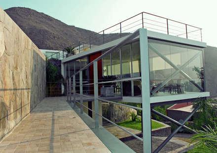 Rumah by 2.8 I NIKOLAS BRICEÑO arquitecto