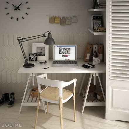 Kite Gesso, Caramel 10x30: Estudios y despachos de estilo moderno de Equipe Ceramicas