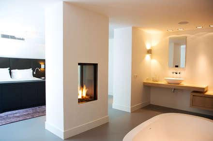Villa in 't Gooi: moderne Badkamer door Designa Interieur & Architectuur BNA