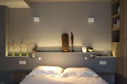 Duplex Ile Saint Louis: Chambre de style de style Classique par SA2L RENOVATIONS PRIVEES