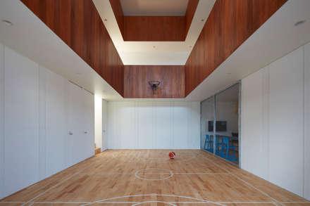 minimalistic Gym by 小泉設計室
