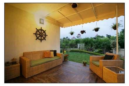 The Outdoor Deck: modern Garden by Navmiti Designs
