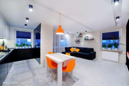 metamorfoza (salon kuchnia) 30m2 Lublin: styl , w kategorii Jadalnia zaprojektowany przez Auraprojekt