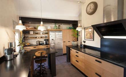 Nhà bếp by MY CASTELLANOS
