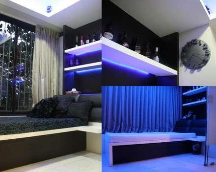 Best of Two Worlds...!!!: minimalistic Bedroom by Neha Changwani