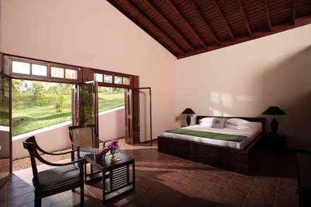 Sumanagiri: koloniale Schlafzimmer von ALL | Architekten Landenberger + Lösekrug