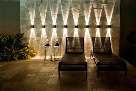 Piscinas de estilo  por Arquitetura Ao Cubo LTDA